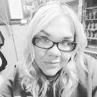 Courtney MacDonald's Pinterest Account Avatar