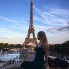 Ally Travels - A New Yorker's Guide to Traveling the World instagram Account