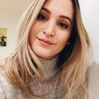 Renata Binato's Pinterest Account Avatar