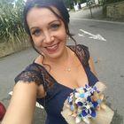 Vicky Haining's Pinterest Account Avatar