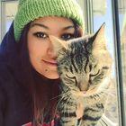 Kaitie Bee's Pinterest Account Avatar