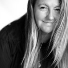 Meghan Hemstra | Vancouver Wedding & Elopement Photographer's Pinterest Account Avatar