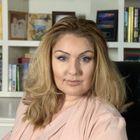 Mercedes of PrettyWebz Media, Online Business Graphics + Entrepreneurship & Blogging