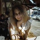 Madi Jacobitz's Pinterest Account Avatar