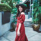 Greta Hollar | Style + Travel Blogger Pinterest Account