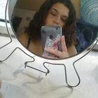 Bia Santos instagram Account