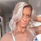 Danika Henault's Pinterest Account Avatar