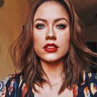 Letícia Benatti's Pinterest Account Avatar