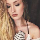 Hayley Miller instagram Account