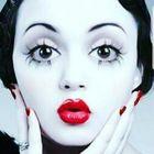 deedles mae west instagram Account