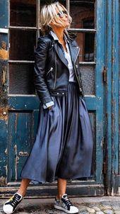 schwarzes leder + weißes hemd + blaue hose + turnschuhe – damenschuhe mode