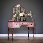 VENDU * Meuble de toilette vintage avec miroir peint corail rose pâle, plateau et pieds teintés foncés