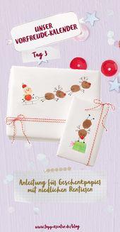 Weihnachtliches Geschenkpapier mit niedlichen Rentieren