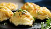 Champignons farcis au beurre et à l'ail   – Food