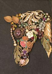 Collage d'art de bijoux de buste de cheval par TimeFliesVintageShop #costumejewelrycr …