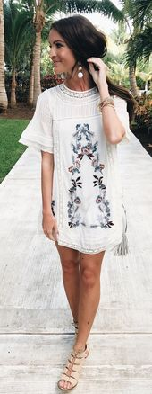 ❤️ Gorgeous Looking Boho Embroidery Dress as featured on Pasaboho. Now available at $59. ❤️ boho chic :: summer dress :: bohemian style ::gyps…
