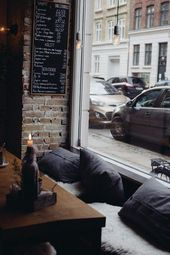 Die gemütliche, holzige Ecke im La Esquina in Kopenhagen.