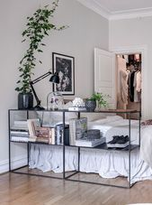 Schlafzimmerbereich im Wohnzimmer – über Coco Lapine Design Blog – #Blog #Coc