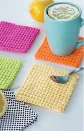 Happy Crochet! – 13 Adorable Projects in Bright Colors