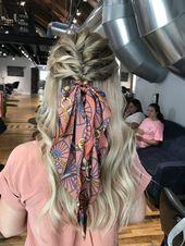 Nette u. Einfache Frisur für irgendeine Haarlänge. Eine Tasse voller Sass #Frisuren #easyh … #einfache #frisur #haarlange