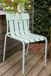 Collection Stripe Fermob Chaise Design En Metal En 2020 Mobilier Jardin Chaise Design Chaise