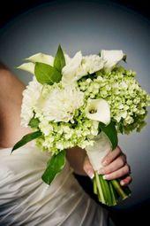 Rustikale grüne und weiße Blumen-Anordnungs-Design-Ideen 22   – Blomme rangskikkings