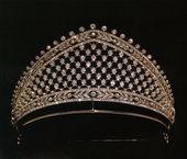 La tiara Faberge dada a la princesa heredera Cecilie cuando se casó con el Prus …   – jewels