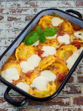 Tortellini con salsa de tomate y mozzarella   – It's  Pastatime