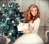Christmas Hairstyles: the most beautiful photos and tutorials,  #Beautiful #Christmas #Hairst…