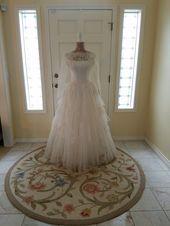 Vintage 1950 bröllopsklänning, veckat tyll och spets brudklänning, Meier & Frank B …
