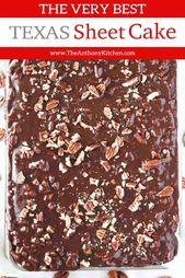 Das beste Texas Sheet Cake Rezept, hergestellt mit Buttermilch und gekrönt mit einem …   – Recipes to cook