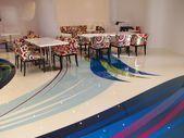 Es ist nicht ungewöhnlich, dass eine Epoxidbeschichtung die Möbel im Raum bedeckt …   – fra… – Epoxy Crafts