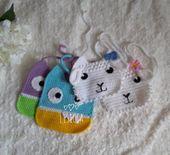 Weiß Baby häkeln Lätzchen Weiß Baby häkeln Lätzchen gestrickt Lätzchen Baby Shower Geschenk Hand stricken Lätzchen Babys erste Geschenk   – Products