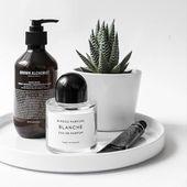 Frisches Badezimmer und moderne Powder Room Reveal