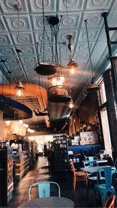 Ästhetisch ansprechende Buchhandlung mit leckerem Kaffee!   – Aesthetic