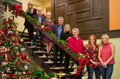 All Six Brady Bunch Kids Will Reunite for a Christmas Special on HGTV