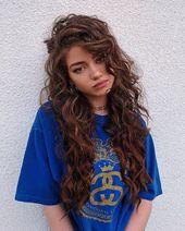 20+ Amazing Curly Frisuren Ideen für Teenager-Frauen   – HAIRSTYLES