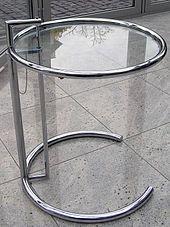 Eileen Gray Beistelltisch adjustable table e1027 beistelltisch entworfen eileen gray in