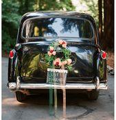 Decoraciones originales para el coche de los novios – Foto Elizabeth Messina