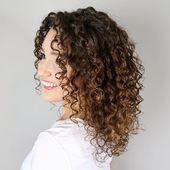 37 Beste Frisuren Mittellang Locken Zum Ausprobieren