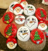 50 Easy DIY Christmas Painted Rock Design Ideas (33