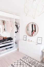 16 Minimalist Bedroom Ideas to Inspire You