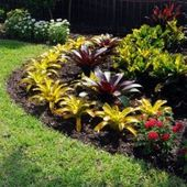 50 Awesome Tropical Garden Landscaping Ideas  – Small backyard landscaping