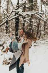 Snowy Seattle Winter Engagement {Couples} Session — an enormous snowstorm was  the perf…