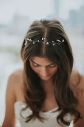 Boho hair band with pearls and decorative crystals in gold or silver – Ilse