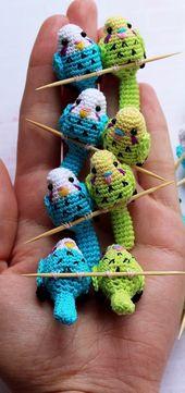PDF Crochet Parrot. Pájaro de patrón de ganchillo GRATIS; Patrones de muñecas amigurumi. Esquemas de amigurumi en ruso.   – Amigurumi