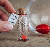 Geburtstagsgeschenk für Freundin, der Schlüssel zu meinem Herzen, ich liebe dich Geschenk für ihn, personalisierte Geschenk für sie, Romantik Geschenk für Frau   – Glasglocken & Shadow-Boxes