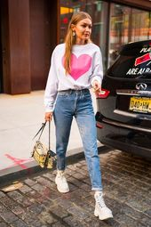 How to dress in the 90s style: shows Gigi Hadid – Pink Avocado – # 90s Style #Avocado #Gigi #Hadid #im