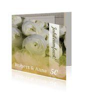 Uitnodiging 50 jaar getrouwd met witte bloemen