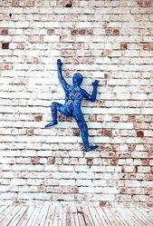 3D Mann Kletterwand Kunst hängende Wand | Etsy – Art – # 3d #des #E …   – Keramische Kunst